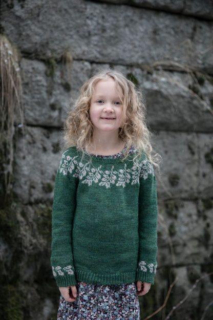 Onnensäikeitä - Strands of Joy - Taimi (lasten paita)